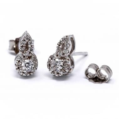 White gold earrings with diamond